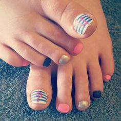 Nails pink blue white silver music note toes