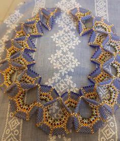 Seed Bead Necklace, Seed Beads, Beaded Necklace, Bead Jewellery, Beaded Jewelry, Geometric Necklace, Peyote Stitch, Beading Tutorials, Geometric Art