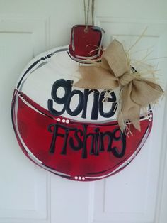 Gone Fishing Wooden Door Hanger by SassieSoutherners on Etsy Burlap Crafts, Wooden Crafts, Wreath Crafts, Wooden Doors, Wooden Signs, Burlap Signs, Burlap Wall, Burlap Wreath, Cute Crafts