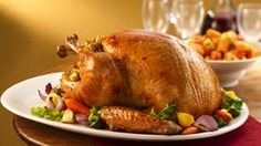 How To Cook A Turkey. Discover how to roast a turkey. This is the best Thanksgiving turkey recipe & Christmas turkey recipe. Thanksgiving Feast, Thanksgiving Recipes, Holiday Recipes, Roast Turkey Recipes, Chicken Recipes, Best Slow Cooker, Slow Cooker Recipes, Valeur Nutritive, Yummy Food