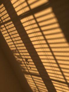 Sunset Wallpaper, Cute Wallpaper Backgrounds, Cute Wallpapers, Aesthetic Pastel Wallpaper, Aesthetic Backgrounds, Aesthetic Wallpapers, Window Shadow, Sun Shadow, Sun Blinds