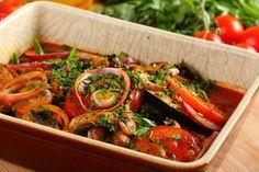 Przepis na Orientalne zapiekane bakłażany Georgian Cuisine, Georgian Food, Vegan Menu, True Food, Russian Recipes, Superfood, Vegetable Recipes, Good Food, Food And Drink