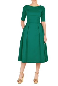 Our stretch cotton poplin dress is cinched in with an elasticated self-belt and a wide bow at the back. The princess-seamed bodice and pleated skirt are classically flattering, while pockets and a midi-length hemline offer modern elements. Poplin Dress, Belted Dress, Dress Skirt, Pleated Skirt, Knit Dress, Sheath Dress, Wrap Dress, Modest Fashion, Fashion Dresses