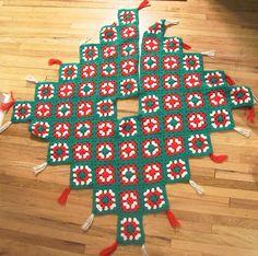Granny Square Tree Skirt by lishyloo on Etsy, $20.00