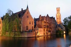 Belgica - visit flandes Romantic view from the Reie Bruges©Tomas Kubes Cycling Holiday, Best Travel Deals, Low Country, Tower Bridge, Travel Photos, Travel Inspiration, Around The Worlds, Brussel, Luxembourg