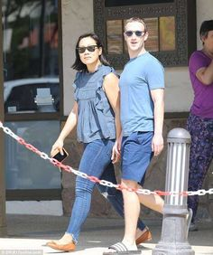 $121.8bn Net Mark Zuckerberg And Wife Pictured On The Street Of California