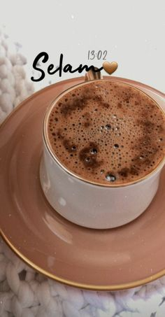 Coffee Vs Tea, Coffee Latte Art, Coffee Shot, Coffee Cafe, Chocolate Sweets, Chocolate Coffee, Tea Lover Quotes, Tea Snacks, Food Snapchat