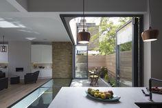 Imagem 3 de 23 da galeria de Casas Brackenbury / Neil Dusheiko Architects. Fotografia de Tim Crocker