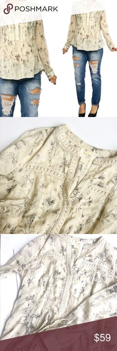 Anthropologie flowy cream blouse by Maeve Flirty cream colored blouse by Maeve from Anthropologie. Like new condition Anthropologie Tops Blouses