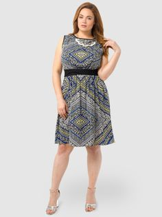 Mini Floral Printed Dress by Spruce & Sage,Available in sizes 10/12,14/16,18/20,22/24,26/28 and 30/32