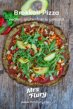 Low Carb Brokkoli Pizza vegan & glutenfrei Rezept Mrs Flury  Low Carb Pizza Rezept, vegane Pizza, ohne Mehl, ohne Kohlenhydrate, Protein Pizza, Proteinpizza, Pizzaboden, Brokkoli Pizza Boden, glutenfrei backen, ohne Milch, ohne Eier, gesund, gesunde Rezepte  #lowcarb #pizza #brokkoli #vegan #gesunderezepte #mrsflury Protein Pizza, Low Carb Protein, Pizza Recipes, Crockpot Recipes, Healthy Recipes, Kale And Cabbage Recipe, Balsamic Beef, Good Foods For Diabetics, Vegan Pizza