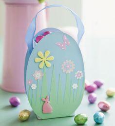 Easter egg basket, Rustic Easter decorations, Easter crafty ideas #Easter #Basket # Eggs