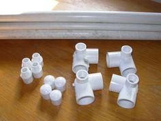 (Leash)ure Bed – Images: The Barkitect      Estas caminhas feitas com canos de PVC,são práticas,higiênicas e fáceis de fazer.   São muito...