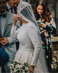 {Wedding Dress Inspo}To sleeve or not to sleeve. Wedding Dress With Veil, Modest Wedding Dresses, Wedding Bridesmaid Dresses, Wedding Veils, Bridal Dresses, Ring Verlobung, Bridal Style, Bridal Hair, Wedding Styles