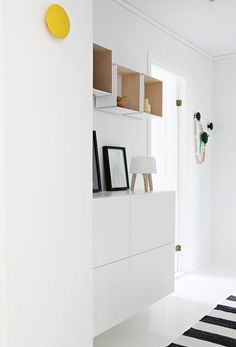 *Very nice, the Skogsta bench**Lovely entrence with some white Ikea STUVA cabinets**Ikea BESTA in your hall, handsome and nice**Ikea Ikea Hallway, Hallway Storage, Ikea Nordli, Ikea Pax, Decor Interior Design, Room Interior, Furniture Design, Storage Cabinets, Decoration