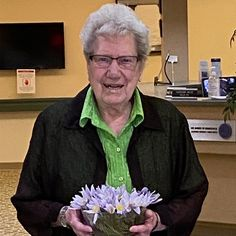 One of our resident at Dr. James Hemstock & Hearthstone Place in Lloydminster wanted crocuses and we did a special delivery of crocuses for her birthday 🎁🎊 Wellness Activities, Emergency Response, Special Delivery, Assisted Living, Senior Living, Birthday Celebration, Abs, Community, Celebrities