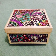linda_cierra's photo on Instagram Doodles, Mandala, Floral doodles, cajita pintada a mano, handmade: