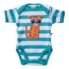 Este lindo Kit é desenvolvido em um lindo design e com tecido super macio e confortável, o Body Suedine Tigresa Fashion Verde é ideal para deixar seu bebê com mais estilo e conforto no dia a dia ou nos momentos de passeios e diversão.