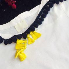 Scegli la tua DoDoÀ! T-shirt personalizzate! Puoi comporre la tua t-shirt con i colori di pon pon (blu, grigio, nero, bordeax, bluette, bianco, giallo, rosa antico, fucsia, turchese) e il colore delle nappine (turchese, rosa antico, giallo, arancio, multicolor).