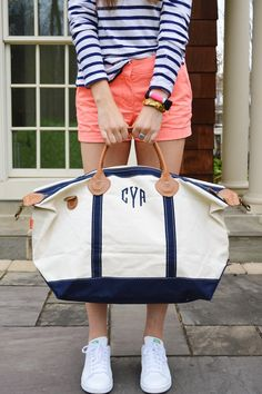 Just a few more days left for you to enter to win a Canvas Weekender Bag! Hop over to to enter to win now! It's the perfect bag for all your Summer trips! Preppy Outfits, Preppy Style, Summer Outfits, My Style, Preppy Clothes, Sorority Girl Style, Canvas Weekender Bag, Nautical Fashion, Nautical Style