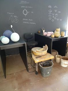 Studio Visit: Adam Silverman at Heath Los Angeles - Remodelista Slab Pottery, Ceramic Pottery, Pottery Art, Pottery Shop, Ceramic Bowls, Garage Studio, Studio Setup, Studio Ideas, Clay Studio