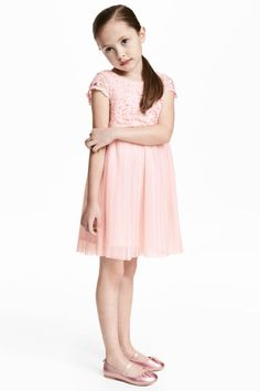 Short-sleeved dress with a lace bodice and pleated mesh skirt. Lower-cut neckline at back with visible zip. Seam at waist and flared skirt with Lace Bodice, Lace Dress, Mesh Skirt, Pink Kids, Flare Skirt, Sleeved Dress, Fashion Online, Kids Outfits, Kids Fashion