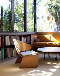 Another inviting reading nook!