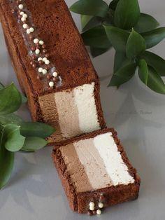 El Zurrón de los Postres: Tarta de Mousse a los Tres Chocolates Chocolate Desserts, Chocolate Cake, Chocolate Blanco, Delicious Desserts, Dessert Recipes, Cake Recipes, Tres Chocolates, Cake Cookies, Eat Cake