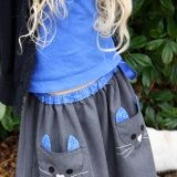Sewing For Kids Clothes Idea for pockets on skirt- Ottobre Cat Skirt by SewChic Sewing Projects For Kids, Sewing For Kids, Baby Sewing, Diy Clothing, Clothing Patterns, Sewing Patterns, Girls Skirt Patterns, Coat Patterns, Blouse Patterns