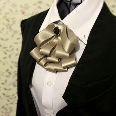 Curvy Fashion, Mens Fashion, Cravat Tie, Brooch Corsage, Women Bow Tie, Fancy Buttons, Ribbon Jewelry, Ribbon Work, Ribbon Crafts