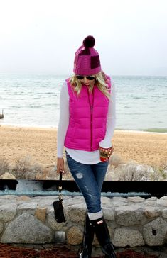 New green hunter boats outfit winter hot pink 47 Ideas Puffy Vest Outfit, Vest Outfits, Outfits With Hats, Cold Day Outfits, Fall Winter Outfits, Winter Fashion, Fall Vest, Outfits Mujer, Boating Outfit