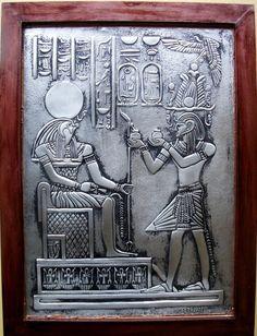 Deus Horus - Reprodução em latonagem, feita em alumínio de imagem do egito antigo.