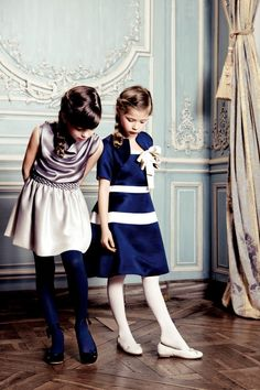 Pretty holiday updos for older and younger girls from the baby dior upcoming holiday line Fashion Kids, Little Girl Fashion, Little Girl Dresses, Girls Dresses, Party Dresses, Dress Party, Baby Dior, Outfits Niños, Kids Outfits