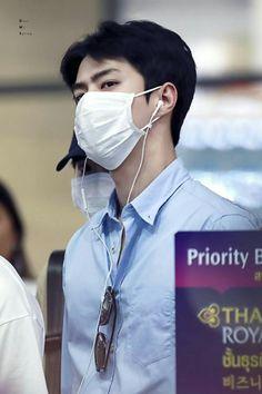 Chanyeol, Exo, Airport Style, Airport Fashion, Rapper, Celebrities, Bangkok Thailand, Sunshine, Korea