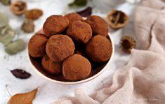 Kávés kekszgolyó Dog Food Recipes, Diet, Cookies, Cukor, Candy, Crack Crackers, Biscuits, Dog Recipes, Cookie Recipes