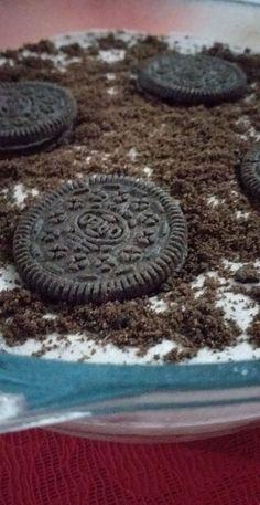 Creamy chocolate oreo Delight.  ❣ Oreo Delight, Chocolate Oreo, Outdoor Decor, Home Decor, Homemade Home Decor, Interior Design, Home Interiors, Decoration Home, Home Decoration