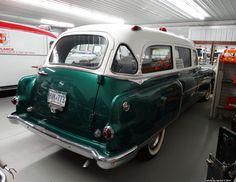 https://flic.kr/p/E4sUrG   1954 Pontiac Superior Ambulance (1)