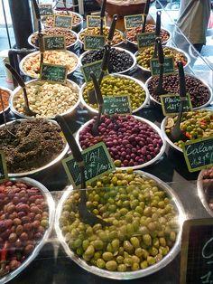 Olives - Marché Provençal - Antibes! Olives mes amours ♡♡♡♡♡♡♡