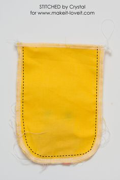 Sew a drawstring chick treat bag, perfect for filling with Easter treats! This is a quick and easy sewing project that would make a great addition to your kids Easter baskets! Sewing Basics, Sewing Hacks, Sewing Ideas, Easter Crafts For Seniors, Geek Bag, Bunny Bags, Diy Easter Decorations, Sewing Projects For Beginners, Treat Bags