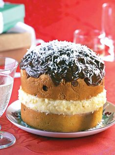 Panetone com recheio prestígio Keto Cookies, Tiramisu, Minions, Cheesecake, Chocolates, Ethnic Recipes, Desserts, Food, Ice Cream Cakes