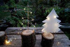 Christmas paper trees - home diy on a budget Diy Felt Christmas Tree, Christmas Tree Themes, Christmas Tree Toppers, Christmas Paper, Christmas Angels, Christmas Crafts, Papier Diy, Diy Living Room Decor, Pom Pom Tree