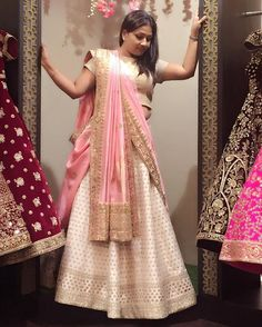 Saree Designs Party Wear, New Saree Blouse Designs, Half Saree Designs, Lehenga Saree Design, Lehenga Designs, Sari, Lehenga Dupatta, Saree Wearing Styles, Saree Styles
