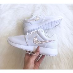 the best attitude 6aed1 273d6 Nike Roshe One white white With Swarovski Xirius Rose-Cut Crystals Ab.  (€120) ❤ liked on Polyvore featuring shoes, athletic shoes, silver, ...