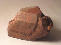 Fluocerite-(Ce). Little Patsy pegmatite, South Platte Pegmatite District, Jefferson Co., Colorado, USA Taille=7 x 4.5 x 3.8 cm Collection et photo Rudy Bolona