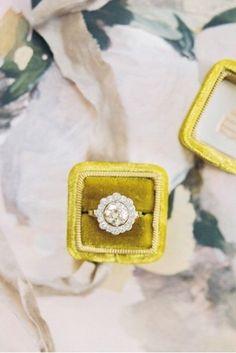 We're mesmerized by this vintage #weddingring! #repost @trumpetandhorn #ring #diamond #love