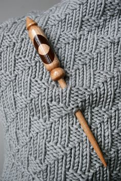 Shawl Pin Gold Blue Fresh Water Pearl Wrap Knitting