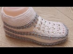 Cowl, Crochet Hats, Slippers, Knitting, Sneakers, Beautiful Things, Pattern, Shoes, Fashion
