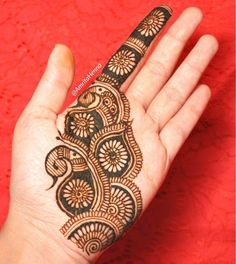 "Do you want to apply easy Eid mehndi designs at home? Must check out these simple and easy mehndi designs for Eid Watch a step by step video tutorial about ""how to apply easy mehndi design?"" Choose your favorite design and inspire everyone. Henna Hand Designs, Dulhan Mehndi Designs, Mehendi, Mehndi Designs Finger, Peacock Mehndi Designs, Full Hand Mehndi Designs, Mehndi Designs For Girls, Mehndi Designs For Beginners, Mehndi Design Pictures"