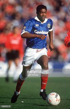 March 1994 Division 1 Portsmouth 2 v Notts County 1 Mark Chamberlain Portsmouth Portsmouth England, Royal Navy, Football Players, Division, March, Memories, Club, Running, Sports