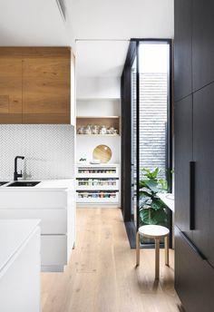 Luxury Kitchen 20 kitchens with clever design ideas to steal Kitchen Pantry Design, Luxury Kitchen Design, Best Kitchen Designs, Luxury Kitchens, Home Decor Kitchen, Interior Design Kitchen, Cool Kitchens, Kitchen Ideas, Pantry Ideas